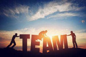 Teambuilding Maßnahmen verstärken den Zusammenhalt